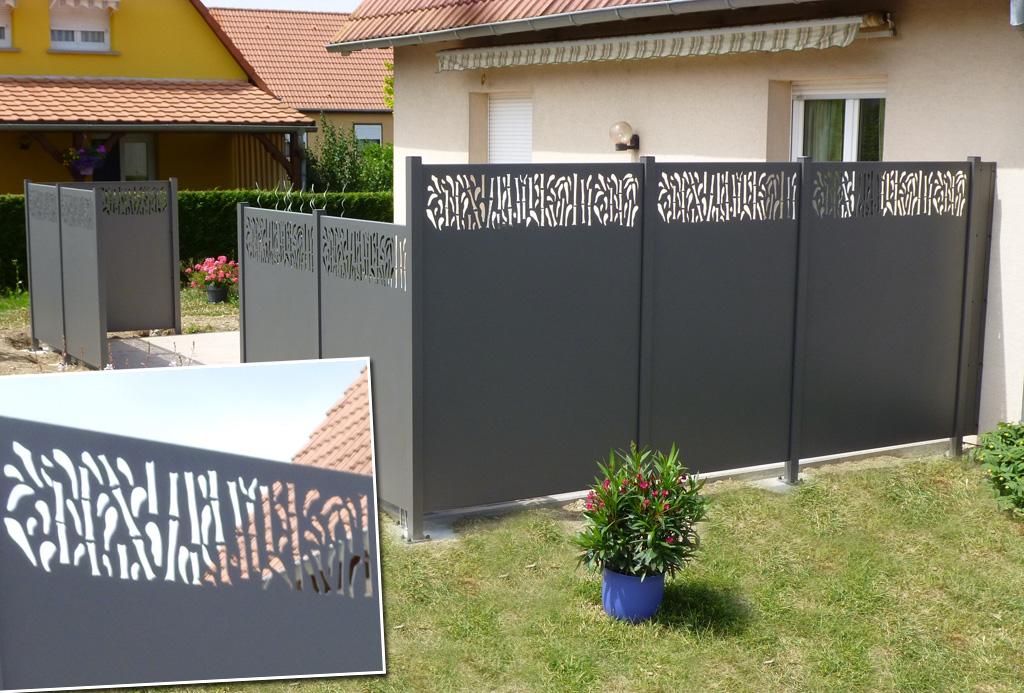 fabricant et installation de panneaux brise-vue en bois atypique