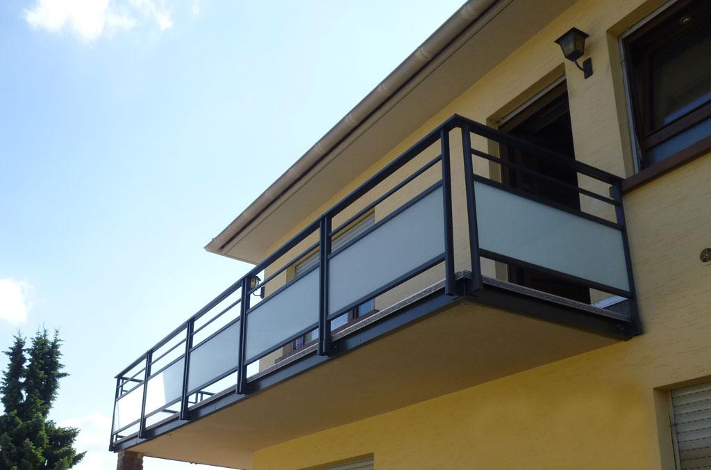 R alisation et installation de garde corps de qualit en alsace - Garde corps balcon exterieur lapeyre ...