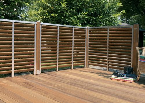 Un brise terrasse en bois - Brise vue castorama bois ...