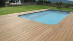 terrasse bois autour d une piscine