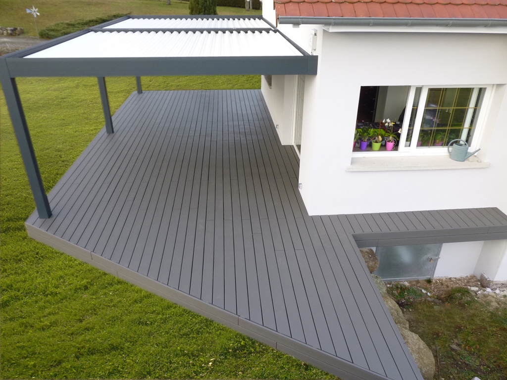 Photo terrasse bois composite gris diverses for Photo de terrasse