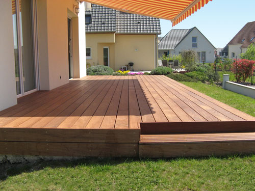Conception r alisation et installation de terrasses en for Poser carrelage terrasse dalle beton