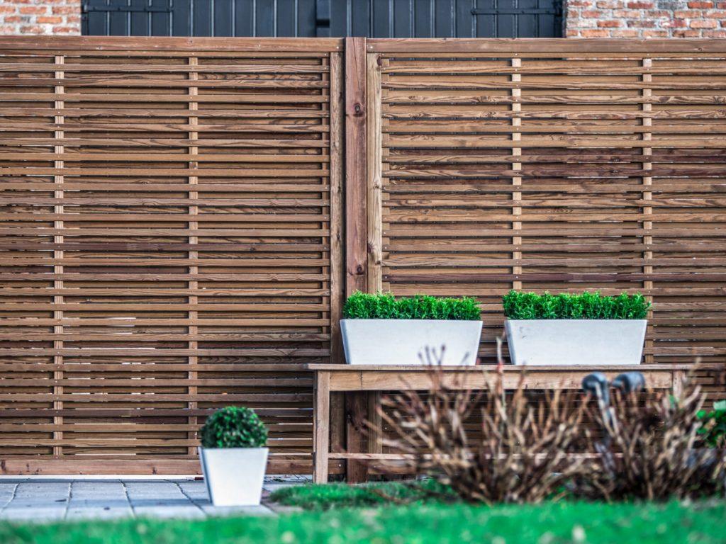 Claustra Treillis Exterieur Bois fabricant et installation de panneaux brise-vue en bois